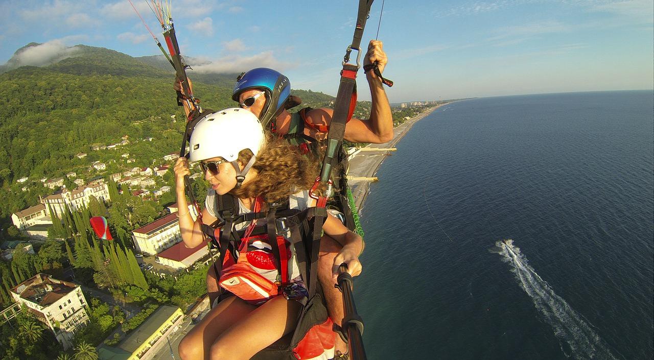 paraglider-536642_1280