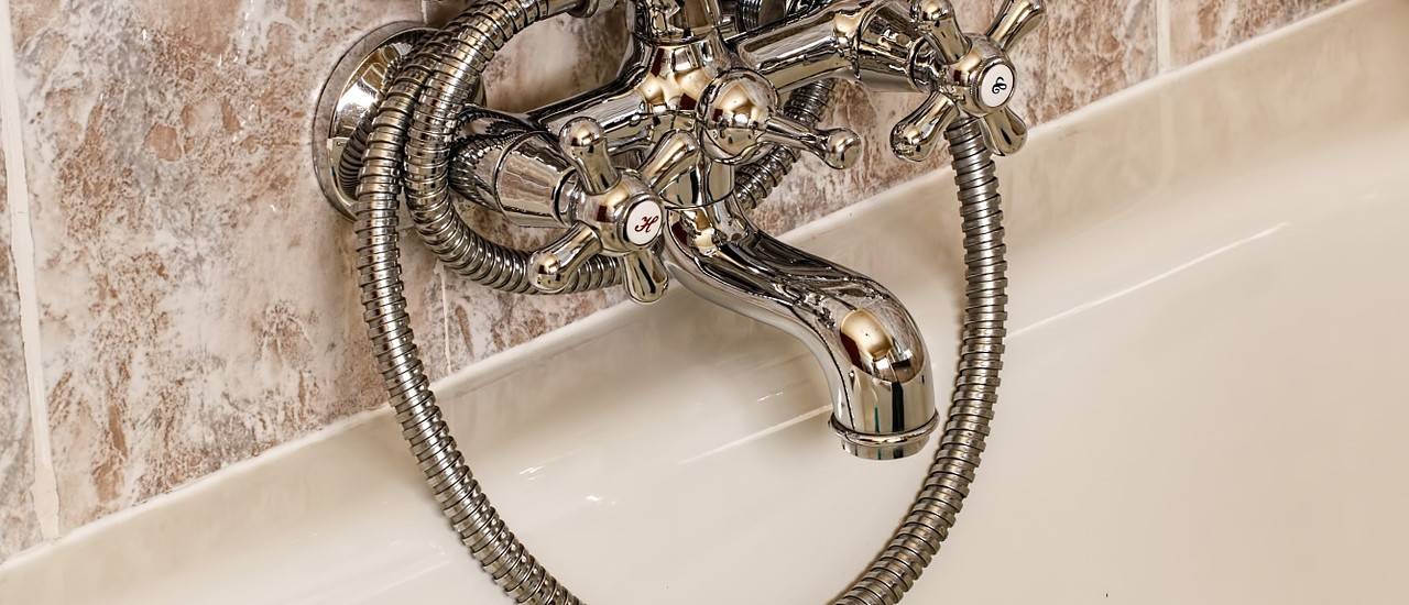 bathroom-393388_1280