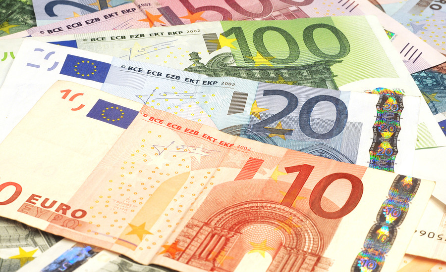 bigstock-Close-up-of-Euro-banknotes-25482155