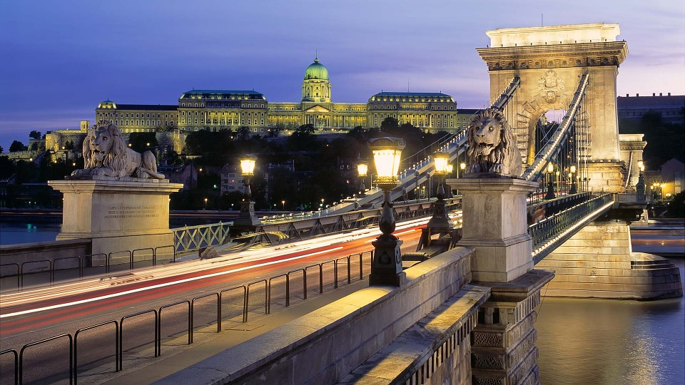 budapest-342499_960_720
