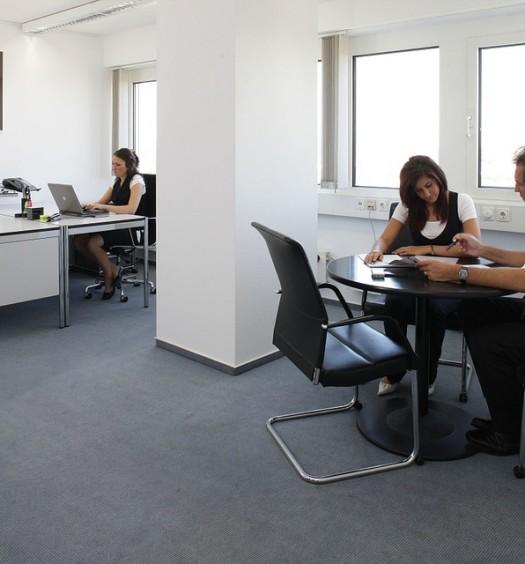 office-170639_960_720