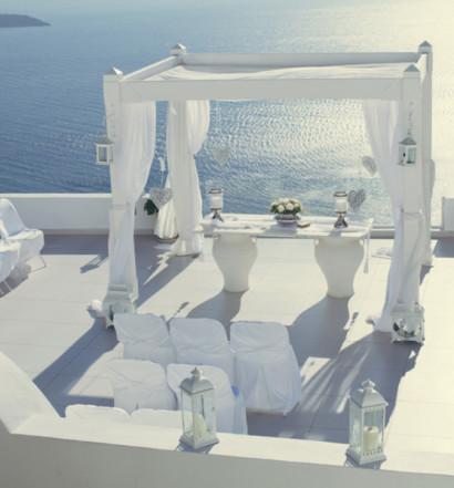 blue white babys breath ocean sea beach destination wedding weddings santorini greece greek modern dress bridal gown bride groom cupcake cupcakes cake white lace anna roussos photography 8