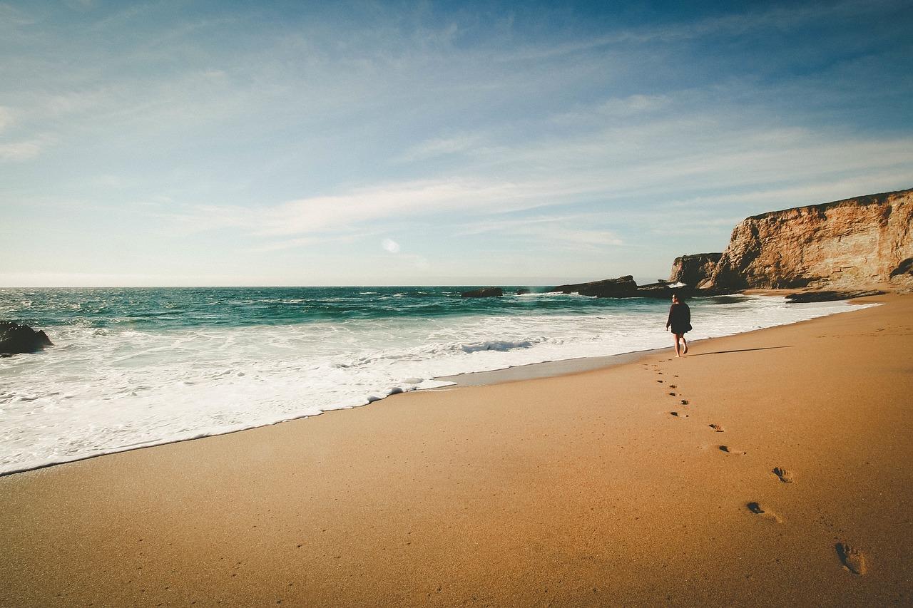 beach-690125_1280
