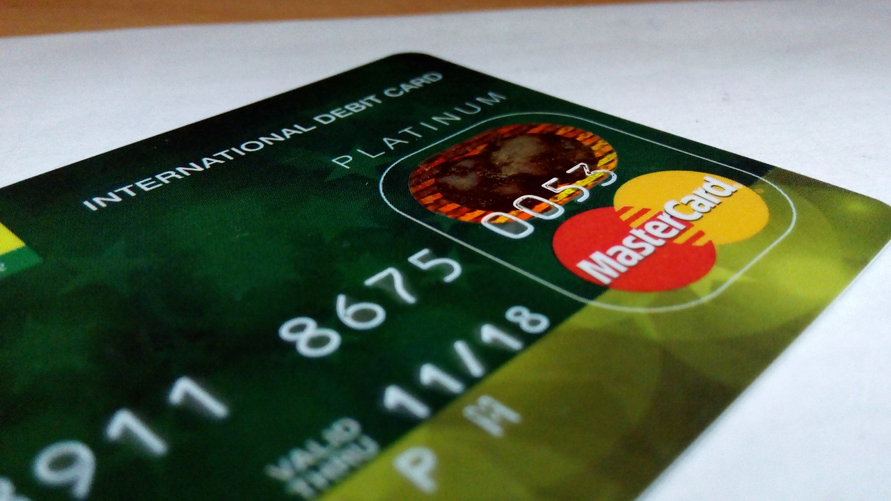 international-debit-card-388996_1280