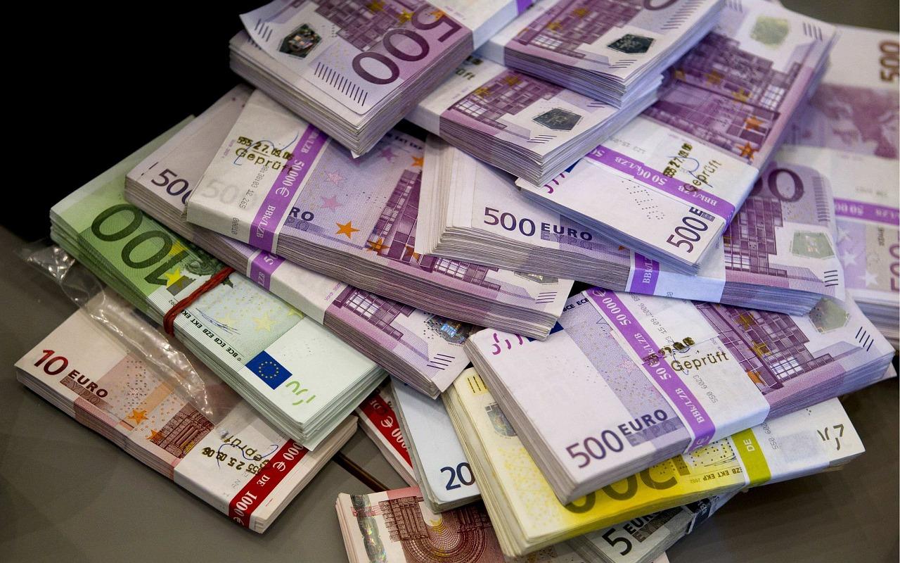money-891747_1280