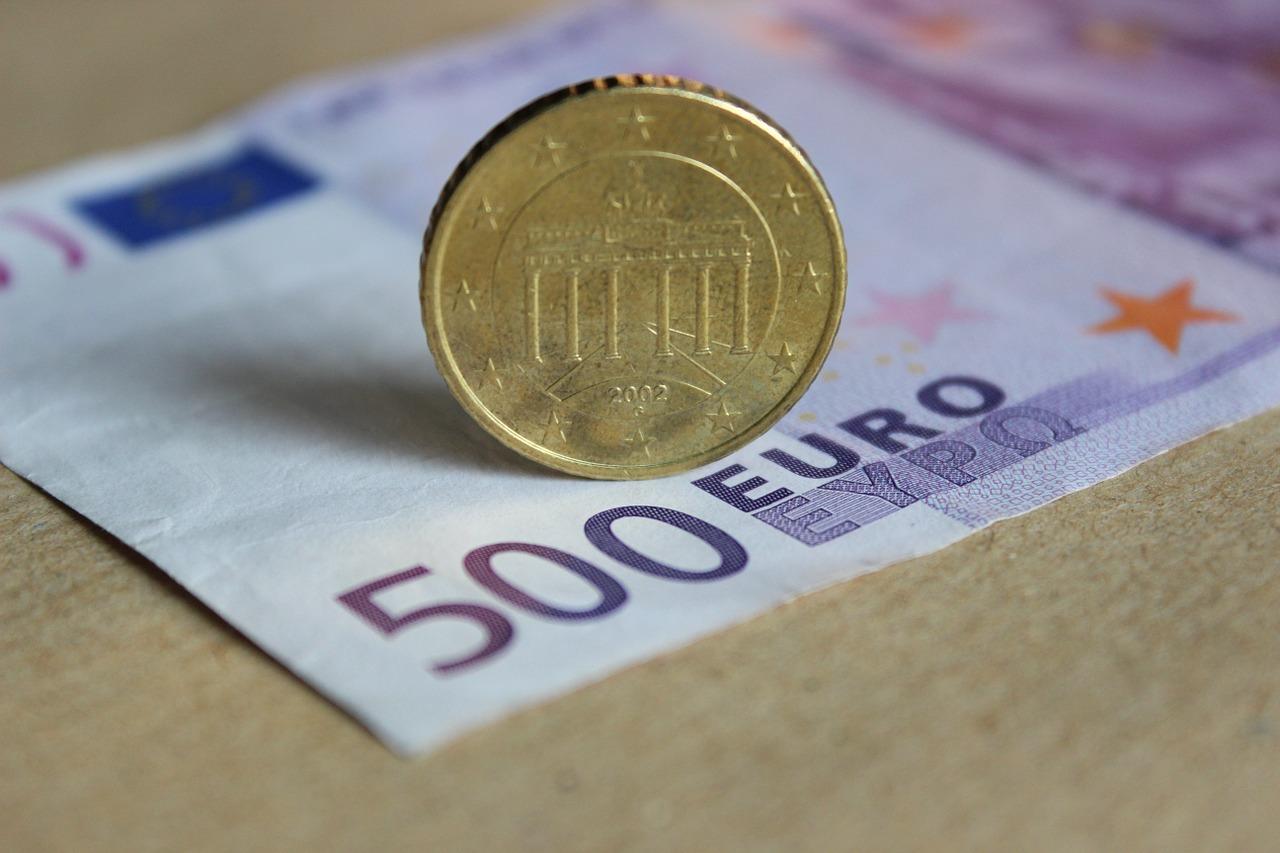 money-209090_1280