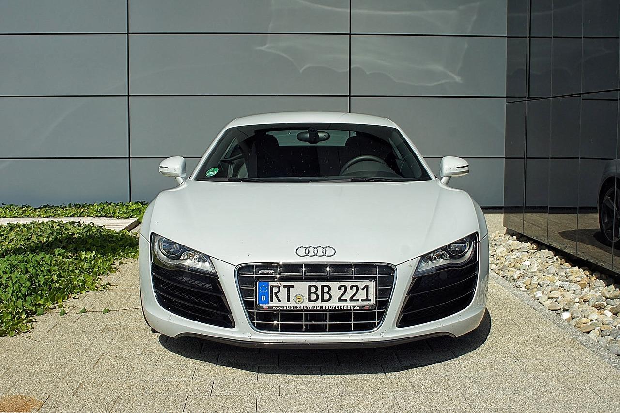 sports-car-831248_1280