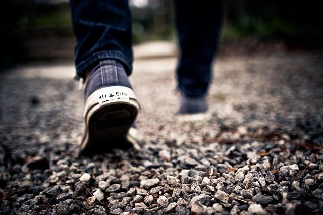 walking-349991_640