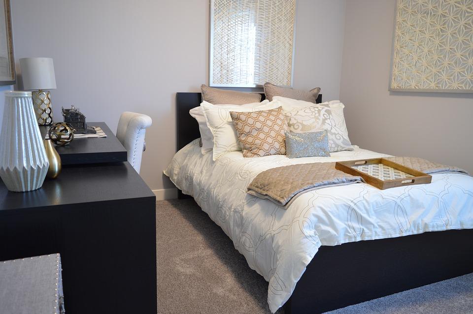 bedroom-1078890_960_720