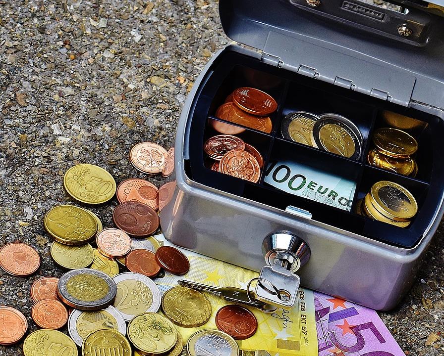 cashbox-1642995_960_720
