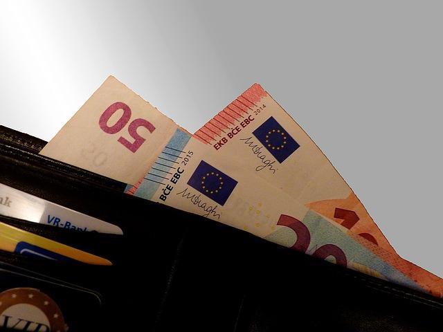 cash-1358874_640