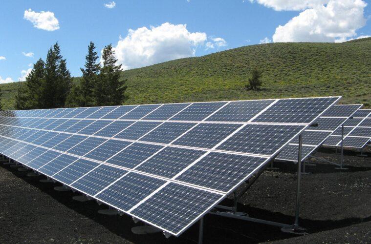 Can adding solar panel decrease your power bill