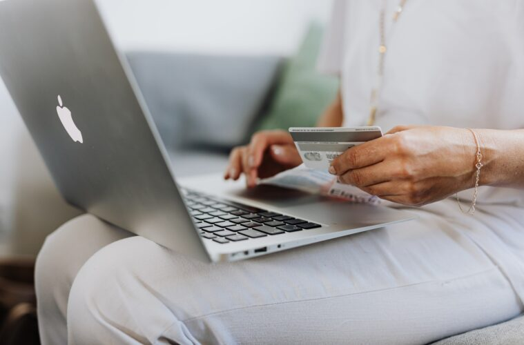 4 Reasons Shopping Online Can Actually Save You Money